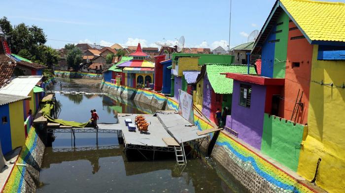 Indahnya Sungai Kalilo Banyuwangi Bersih Berwarna Warni Jembatan Selfie Kab