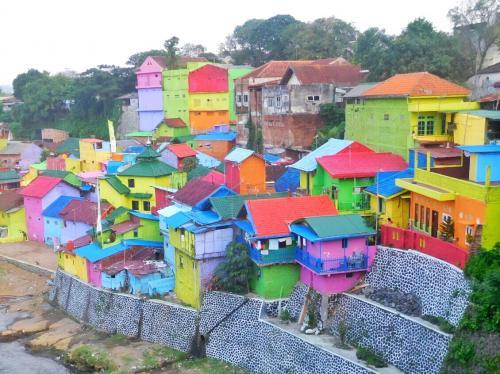 Simple Enjoy Aja Pesona Kampung Warna Warni Sungai Bagi Pecinta