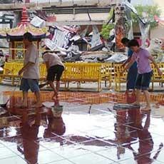 Hoo Tong Bio Banyuwangi Terbakar Umat Gotong Royong Klenteng Kab