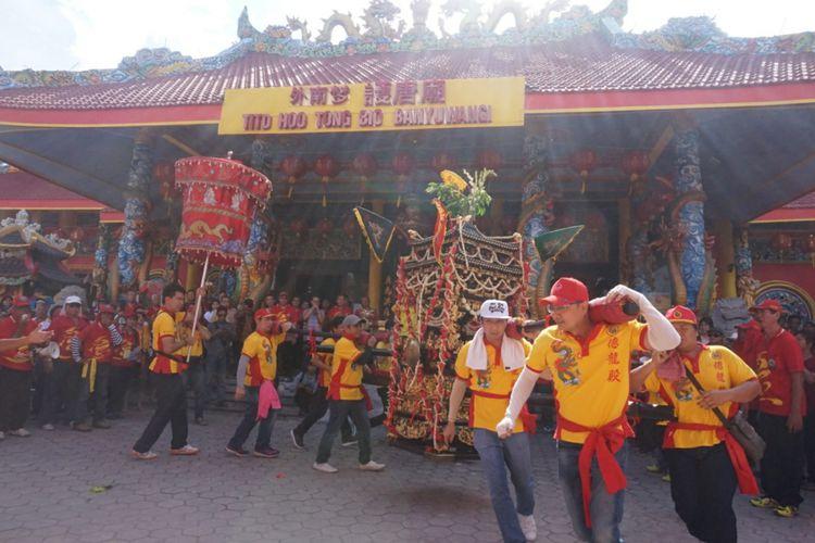 Meriahnya Kirab Budaya 19 Kelenteng Se Jawa Bali Banyuwangi Atraksi