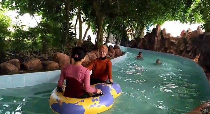 65 Tempat Wisata Banyuwangi Terkenal Menarik Dikunjungi Kolam Renang Pancoran