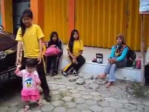 Siswa Siswi Sdn 5 Ketapang Menanti Buka Pemandian Pancoran Banyuwangi