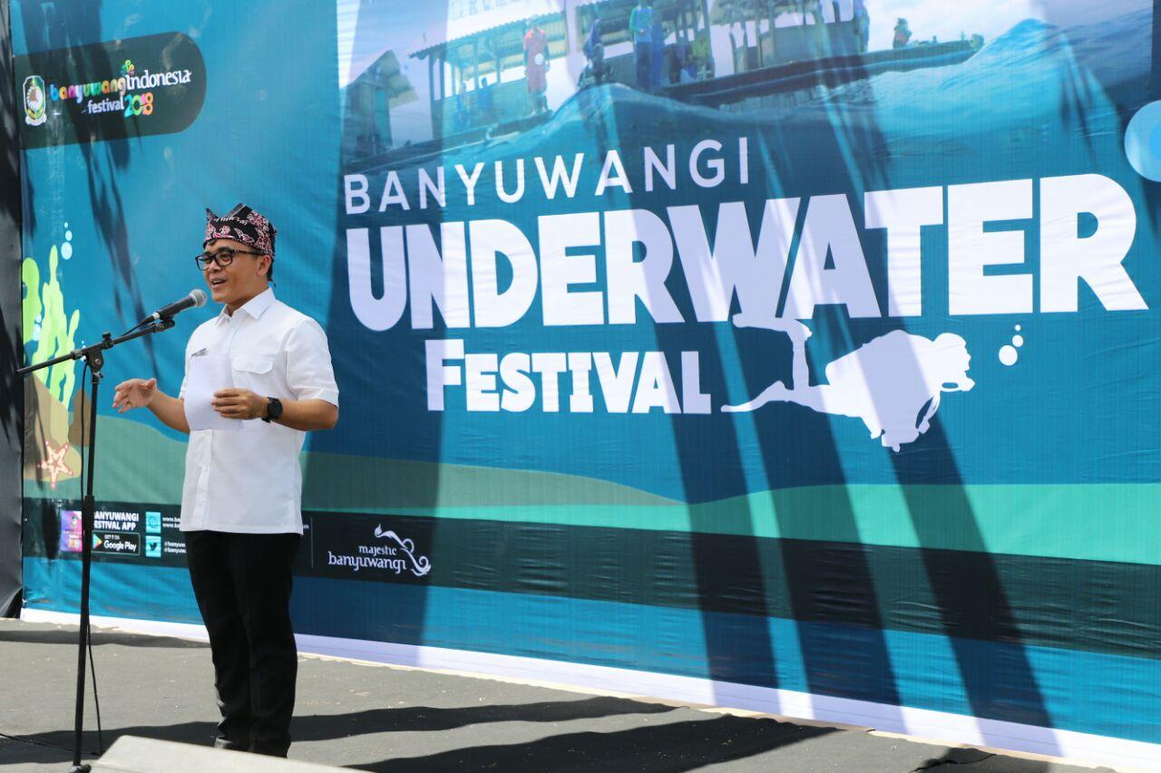 Kkp Kementerian Kelautan Perikanan Adakan Festival Underwater Banyuwangi 2 Pantai