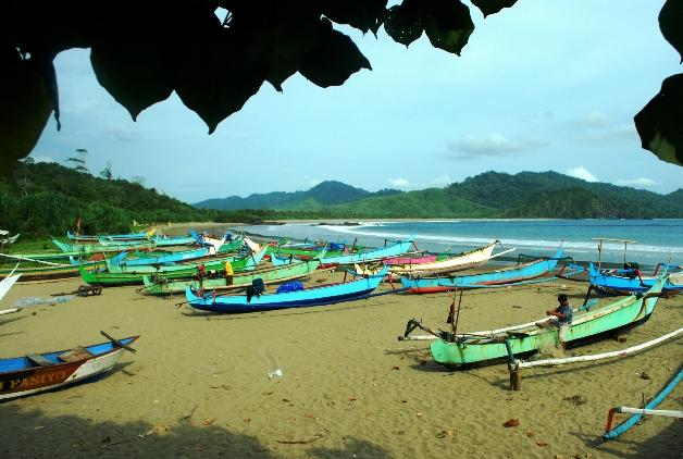 65 Tempat Wisata Banyuwangi Terkenal Menarik Dikunjungi Pantai Bomo Kab