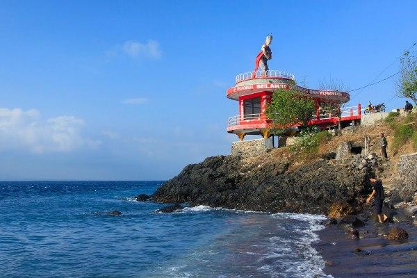 65 Tempat Wisata Banyuwangi Terkenal Menarik Dikunjungi Pantai Watudodol Bomo