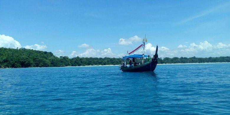 Teluk Banyu Biru Destinasi Wisata Banyuwangi Kompas Pantai Bomo Kab