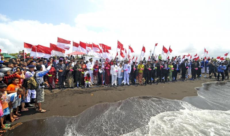 Banyuwangi Penyu Bertelur Tengah Kota Pelepasan 69 Ekor Tukik Pantai