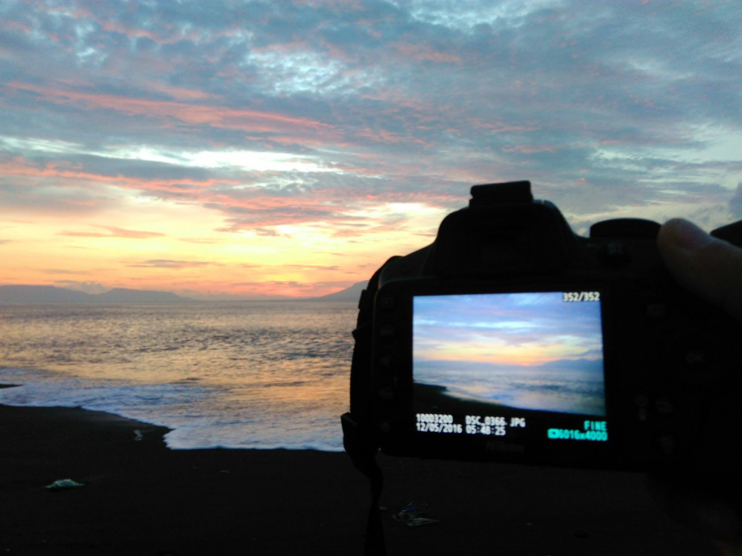 Menyapa Kecantikan Sunrise Pantai Boom Banyuwangi Tempat Bisa Digunakan Melihat
