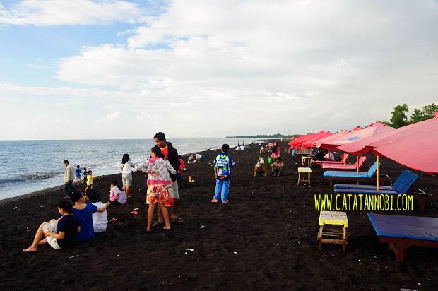 Menyapa Pagi Pantai Boom Banyuwangi Catatan Nobi Hari Cukup Ramai