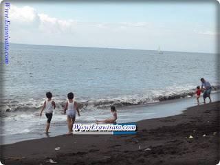 Objek Wisata Pantai Boom Banyuwangi Indonesia Kab