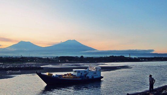 Wisata Pantai Boom Kabupaten Banyuwangi Kelurahan Kampung Mandar Kab