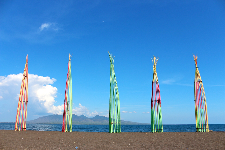 Pantai Cacalan Alternatif Wisata Dekat Pelabuhan Ketapang Banyuwangi Lokal Karya