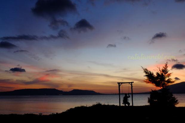 Pantai Cacalan Banyuwangi Spot Menikmati Sunrise Nikmati Kab