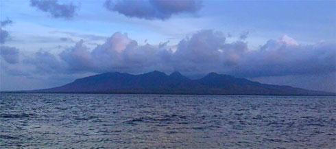 Pantai Cacalan Banyuwangi Tourism Terletak Kecamatan Kalipuro Hamparan Pasir Hitam