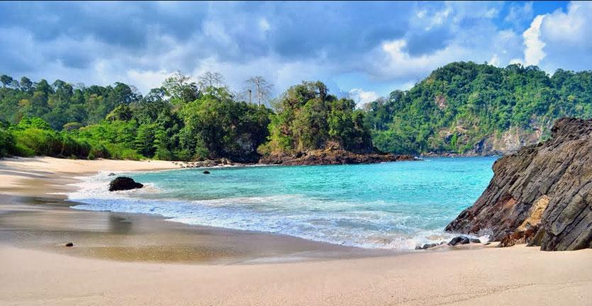 Tempat Wisata Banyuwangi Cocok Liburan Pantai Cemara Kab
