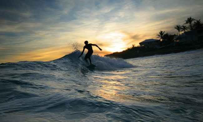Lokasi Surfing Banyuwangi Jawa Timur Indonesia Pantai Plengkung Indahnya Ombak