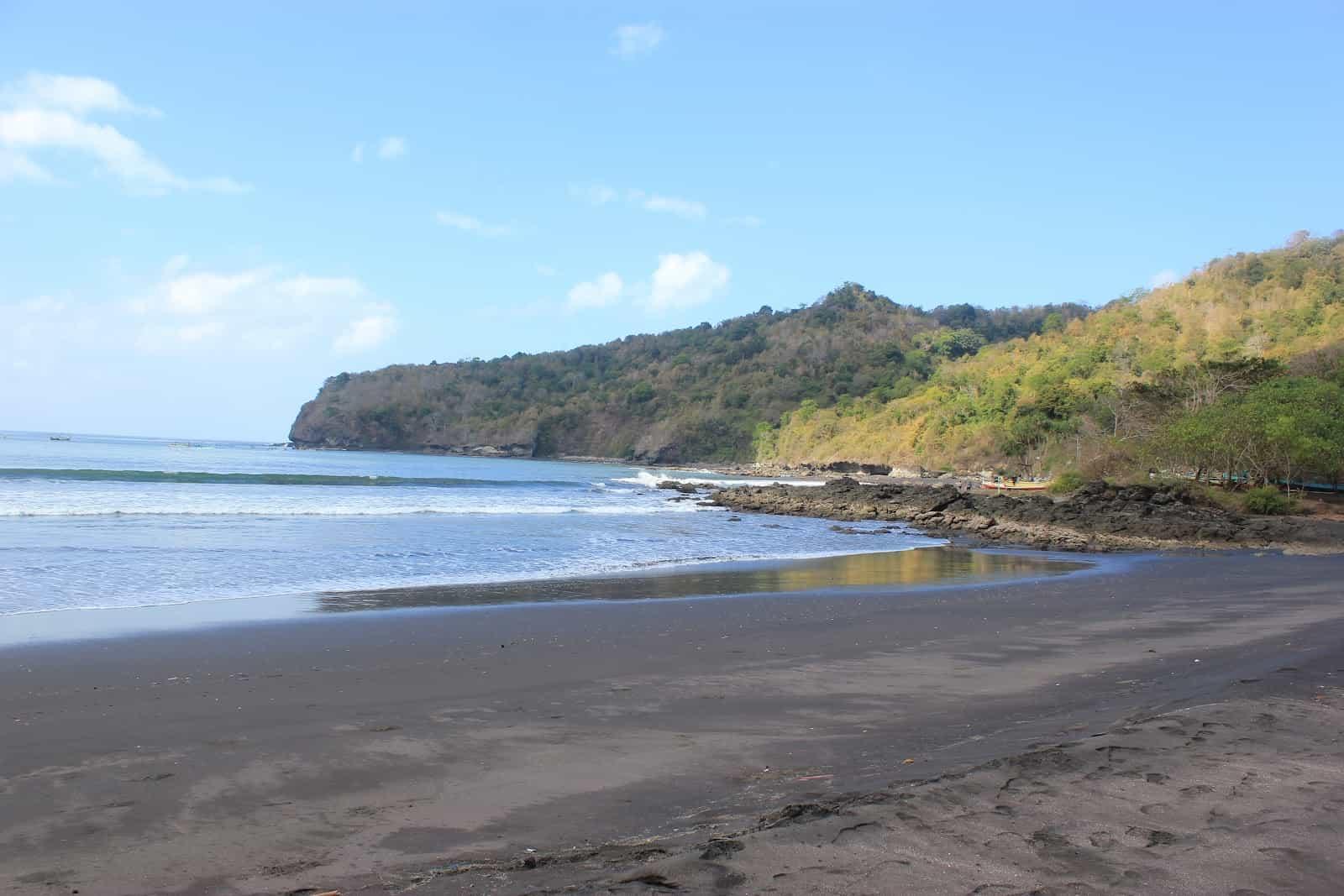 Pantai Grajagan Banyuwangi Menjajikan Keindahan Alam Ulinulin Kab