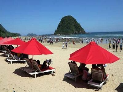 10 Gambar Pantai Pulau Merah Banyuwangi Harga Tiket Masuk Rute