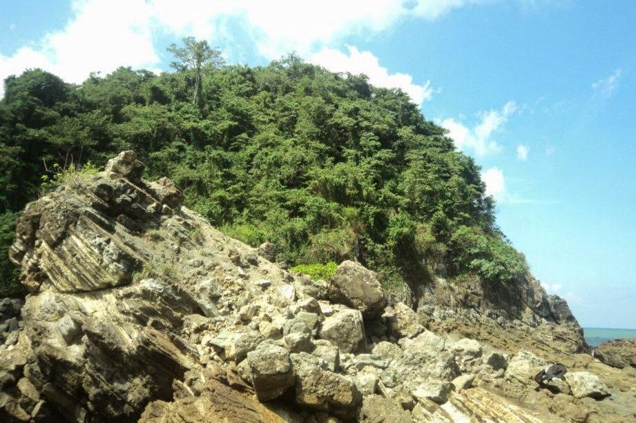 Keindahan Pantai Lampon Pesanggaran Banyuwangi Bagus Bukit Kab