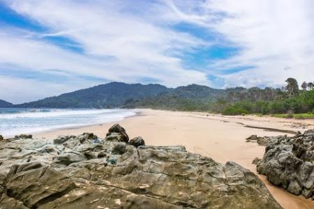 Keindahan Wisata Pantai Lampon Banyuwangi Kab