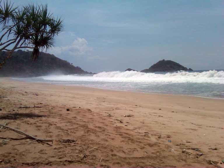 Pantai Lmpon Pesanggaran Banyuwangi Rakom Casavafm 107 7 Tempat Wisata