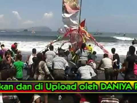 Petik Laut Pantai Lampon Pesanggaran Bupati Banyuwangi Daniya Shooting Youtube