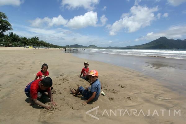 Destinasi Wisata Pantai Mustika Antara News Jawa Timur Kab Banyuwangi