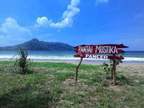 Objek Wisata Banyuwangi Pantai Mustika Merah Kab