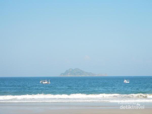 Pantai Mustika Banyuwangi Saingan Berat Pulau Merah Mustaka Sungguh Indah