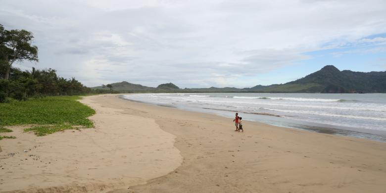Pantai Mustika Calon Destinasi Wisata Bahari Banyuwangi Kompas Kab