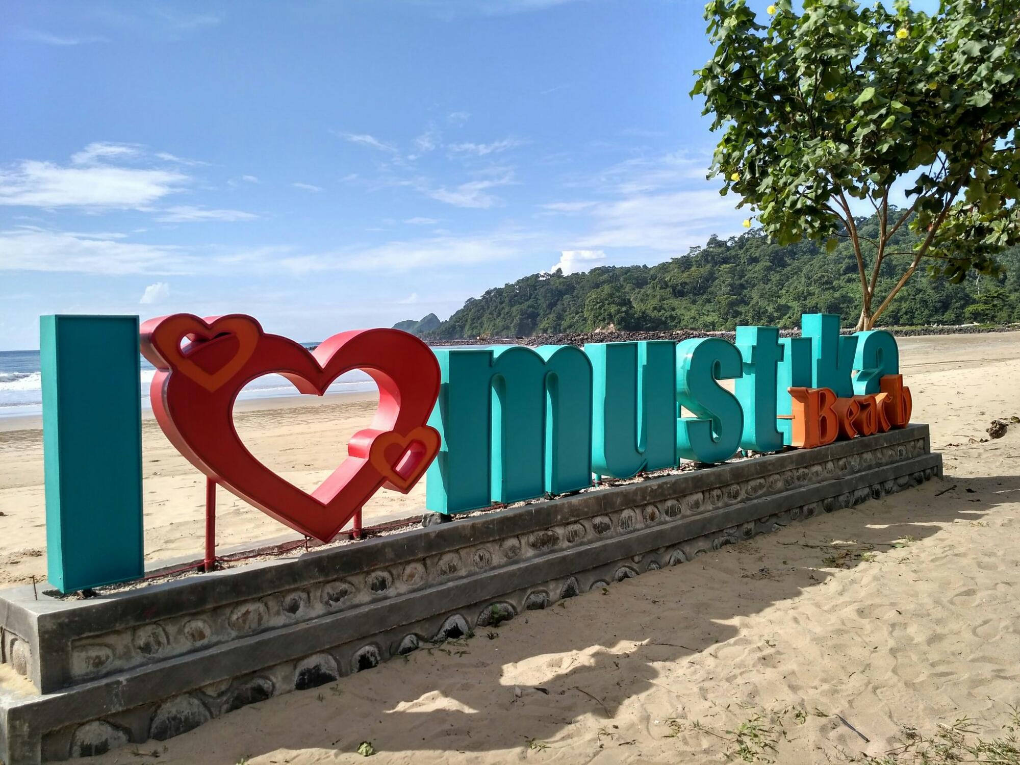 Pantai Mustika Pancer Pesanggaran Banyuwangi Semakin Bersinar Kab