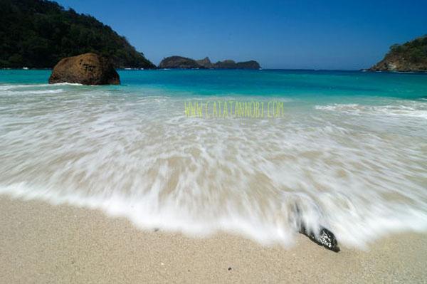 Pantai Wedi Ireng Banyuwangi Berpasir Hitam Putih Mustika Kab