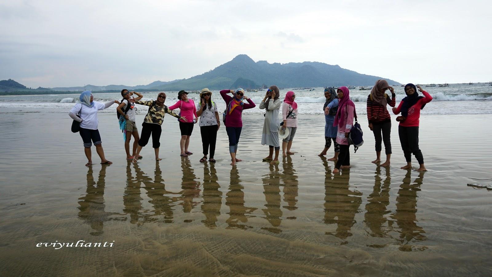 Perjalanan Pantai Mustika Pulau Merah Banyuwangi Dilanjutkan Terletak Tidak Jauh
