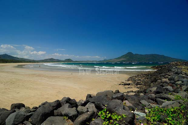 Seharian Jelajah Banyuwangi Pantai Boom Mustika Jam 09 15 Sampai