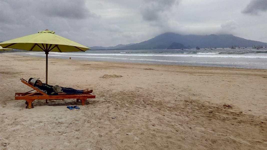Wisata Pantai Banyuwangi Menikmati Keindahan Matahari Terbit Mustika Kab