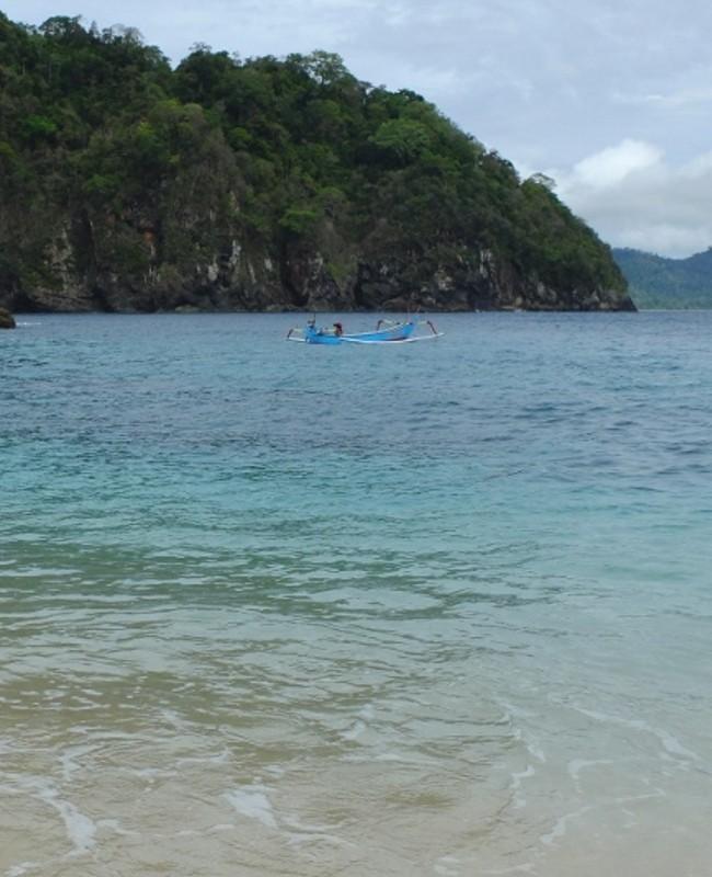 50 Pantai Indonesia 24 Teluk Hijau Banyuwangi Palu Kuning Kab