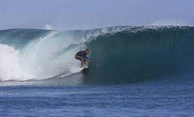 65 Tempat Wisata Banyuwangi Terkenal Menarik Dikunjungi Pantai Plengkung Palu