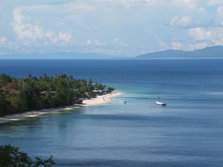 Buya Sabe Kisah Balida Benang Sutra Potlot Adventure Pantai Donggala