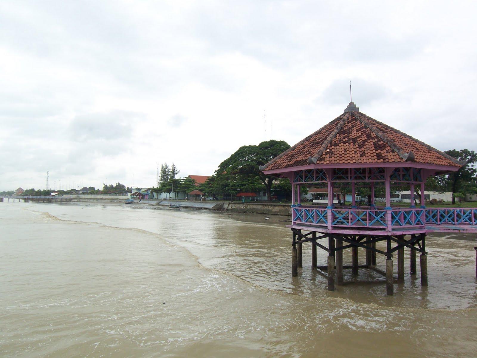 Idnews Pantai Kartini Palu Kuning Kab Banyuwangi