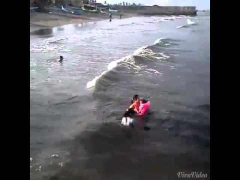 Main Ombak Palu Kuning Youtube Pantai Kab Banyuwangi