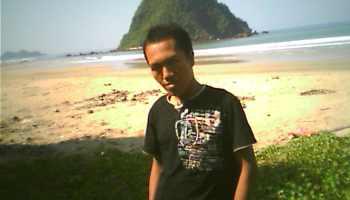 Refreshing Pantai Palu Kuning Kumendung Kecamatan Muncar Pesona Pulau Merah