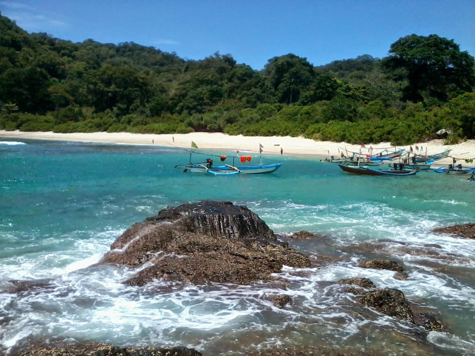 Jelajahi Pesona 6 Objek Wisata Pantai Banyuwangi Panduan Wedi Ireng
