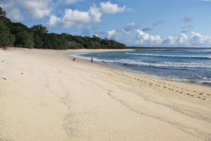 Pantai Parang Ireng Tiga Warna Banyuwangi Bagus Bentangan Pasir Gotri