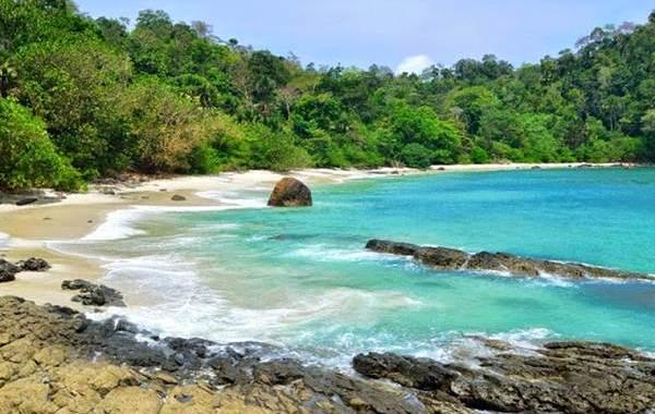 Pantai Wedi Ireng Banyuwangi Rute Tiket Masuk Wistaa Parang Kab