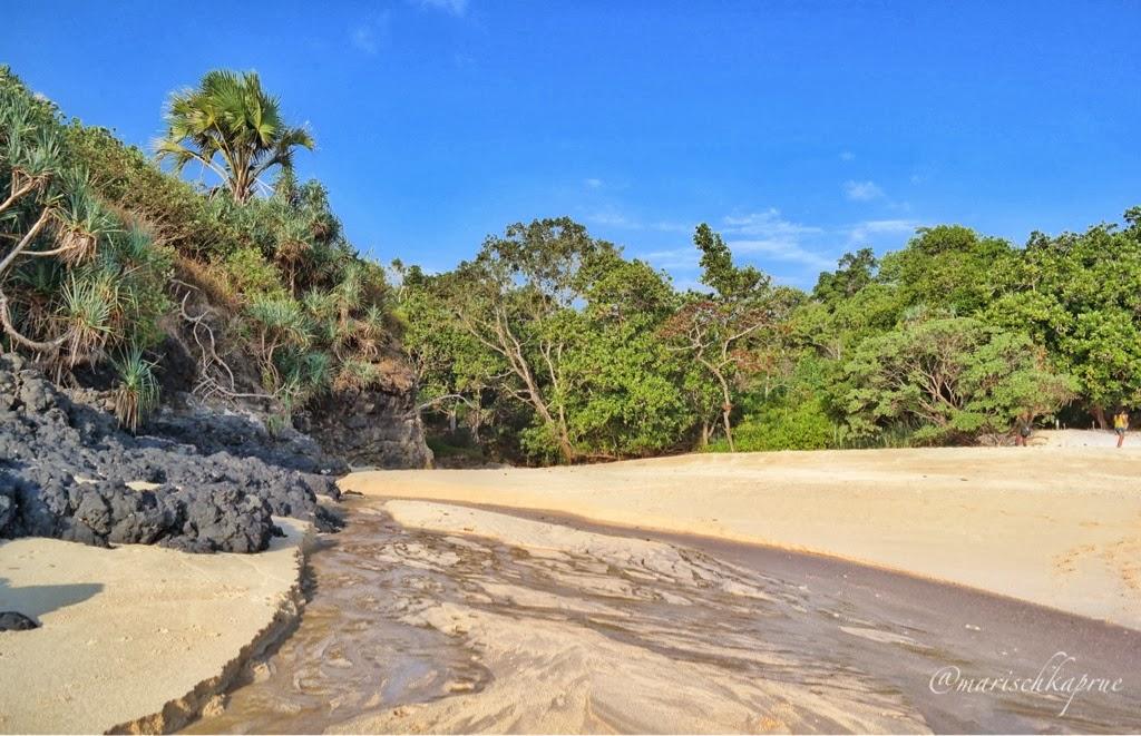 Parang Ireng Beach Simply Beautiful Life Absurd Journey Terletak 15