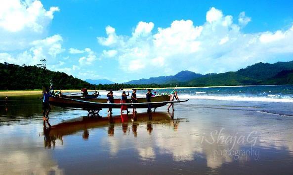 Aktivitas Akses Menuju Lokasi Pantai Teluk Hijau Banyuwangi Berlayar Kab