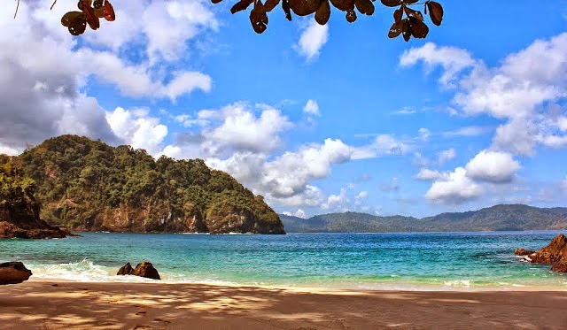 Pantai Teluk Hijau Surga Tersembunyi Banyuwangi Landscape Selatan Sumber Detik