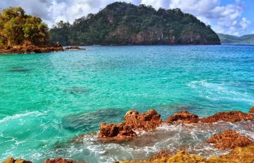 Pantai Teluk Hijau Surganya Banyuwangi Beritajatim Kab
