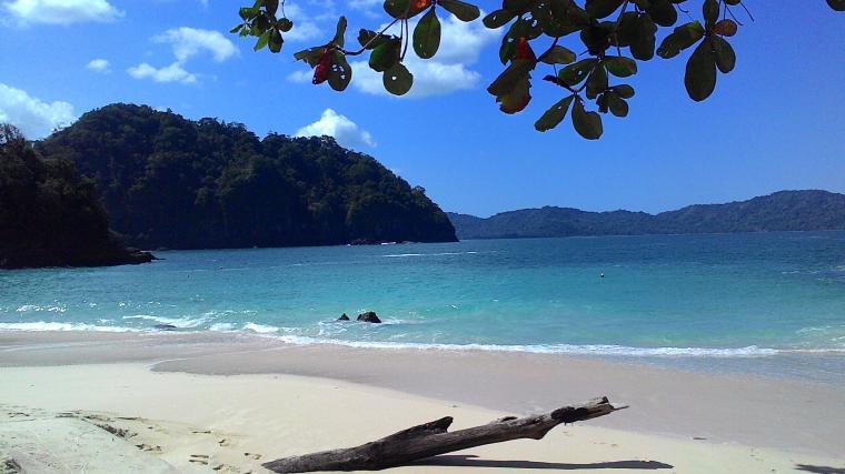 Pantai Teluk Hijau Taman Nasional Merubetiri Banyuwangi Oleh Haris Kab