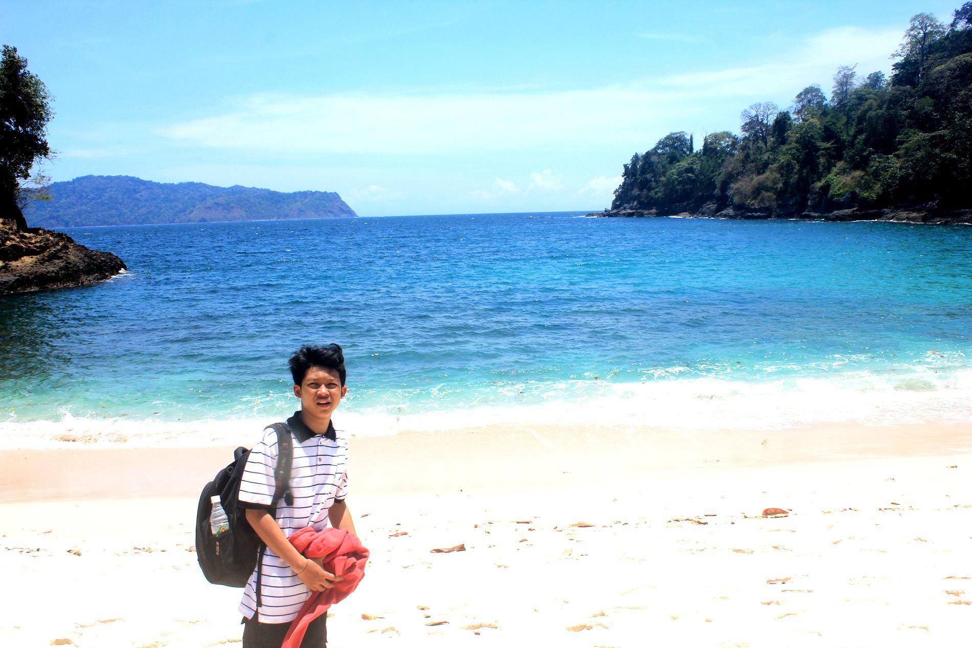 Pesona Banyuwangi Salah Satunya Pantai Teluk Hijau Green Bay Img